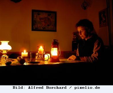 Sozial explosiv! Über 1 Million Haushalten in Deutschland wurde während der letzten drei Jahre der Strom abgeschaltet!