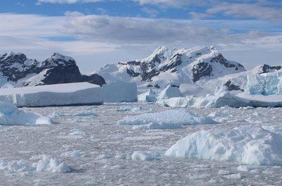Auch das Antarktiseis schrumpft – aber nur partiell – und nur im Sommer!
