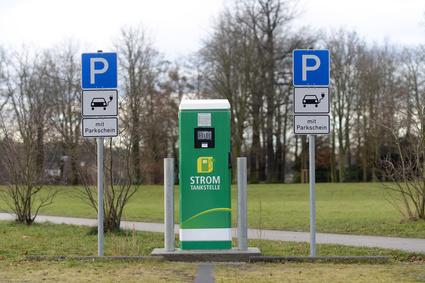 Gefährliche Ladung – Die E-Auto sind Energieverschwender, die Batterien giftige Umweltsünder erster Klasse