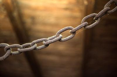 Schaden durch Lockdown mindestens um das Fünffache höher als sein Nutzen – Studienüberblick