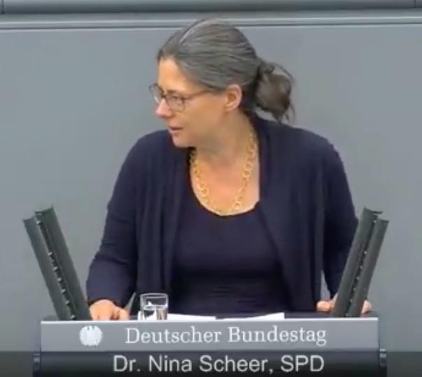 Bedeutende Geister des Jahrhunderts – heute Dr. Nina Scheer – Teil 1