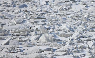 Globale-Erwärmung-Menetekel! Tanker im Mittsommer-Eis der Arktischen See gefangen!