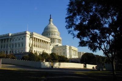 Presseerklärung: Experten am Heartland Institute kommentieren die Genehmigung einer Anti-Kohlenstoffsteuer-Resolution seitens des Kongresses