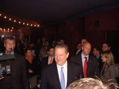 """""""Die Stürme nehmen zu, der Klimaerwärmung wegen"""" – Unterschiedliche Positionen von Al Gore vs. Wissenschaftler"""