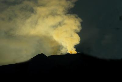Verwirrter Lauterbach: Klimawandel am Vulkanausbruch schuld. Nachtrag