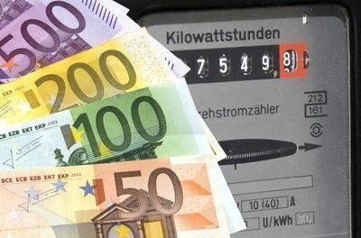 Gratulation zum 20jährigen: Dank EEG und zusätzlichen Abgaben, zahlen die Deutschen inzwischen die weltweit höchsten Strompreise