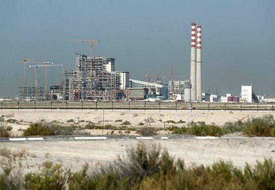 Sonnenverwöhnt und reich an Öl – Dubai setzt auf zuverlässige Kohlekraft