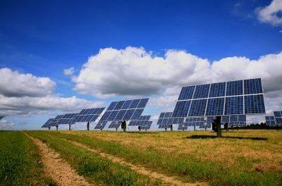 Ironie: Bewölkung lässt  die Klimabesorgten um die Zukunft der Solarenergie fürchten