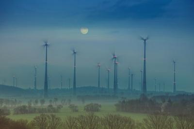 """Großbritanniens Kohlekraftwerke erhalten das Leben, während die """"große Ruhe"""" bei den Erneuerbaren herrscht."""