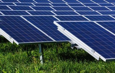 Der Photovoltaik-Wärmeinsel-Effekt: große Solarparks lassen die lokale Temperatur steigen