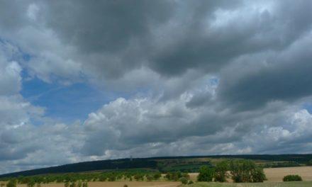 Mäßig warmer, sehr wechselhafter Juli 2021 in Deutschland – ein typischer Hochsommermonat