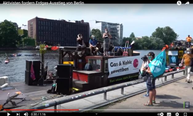 """Sommerliche Bootstour mit Atemmaske: """"Fridays for Future"""" streikt auf der Spree"""
